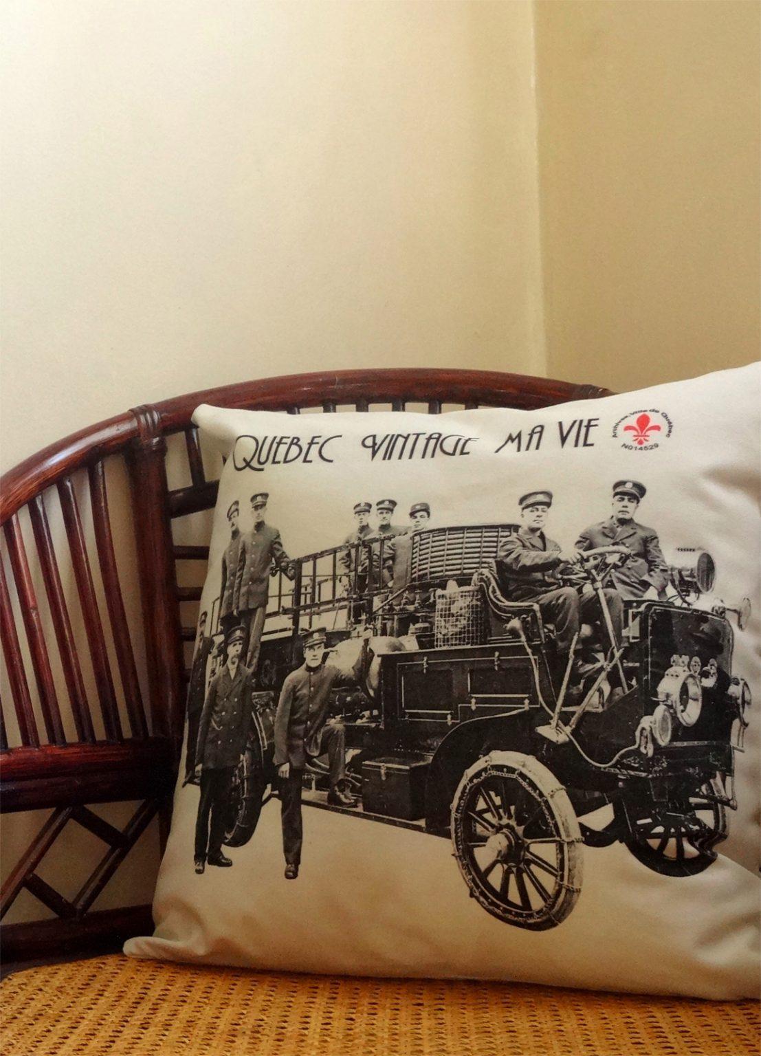 Accessoires de décoration écoresponsables   housses de coussins vintage ma vie par Aniela Mieko