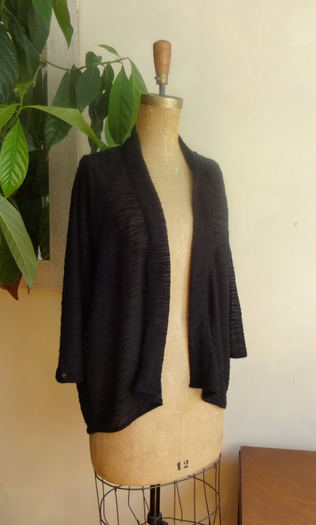 Vêtement écoresponsable   veste kimono noire
