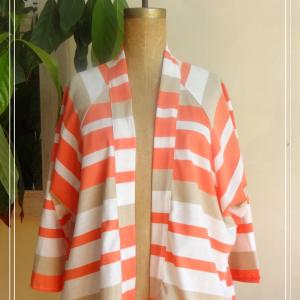 Veste estivale kimono rayures corail blanc beige - vue de face